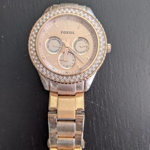 Women's Rose gold Fossil watch with diamonds